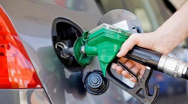 Benzin ve motorine 15 kuruş zam geliyor