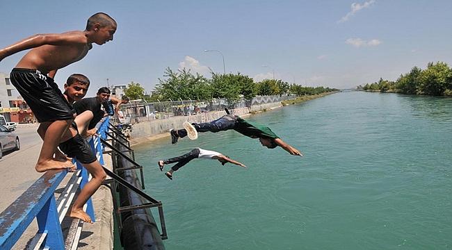 Antalya'da kanal suyunda serinlik