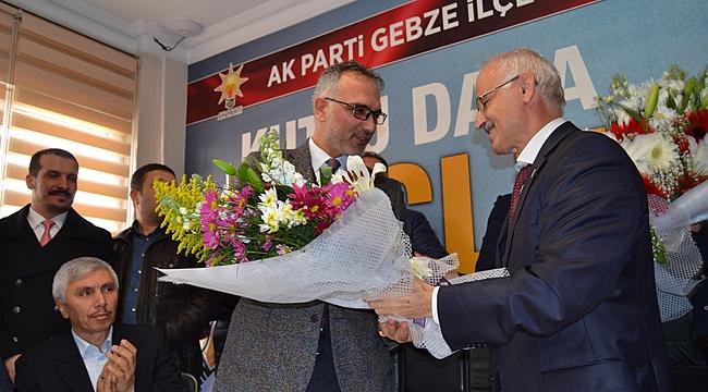 Gebze AK Parti'de devir teslim yapıldı