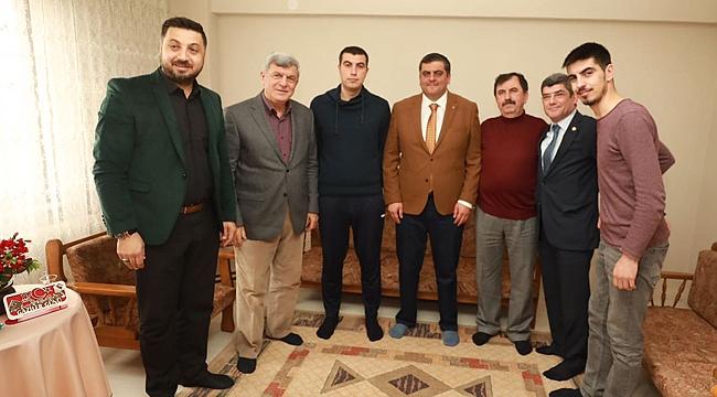 Karaosmanoğlu, Afrin Gazisini ziyaret etti