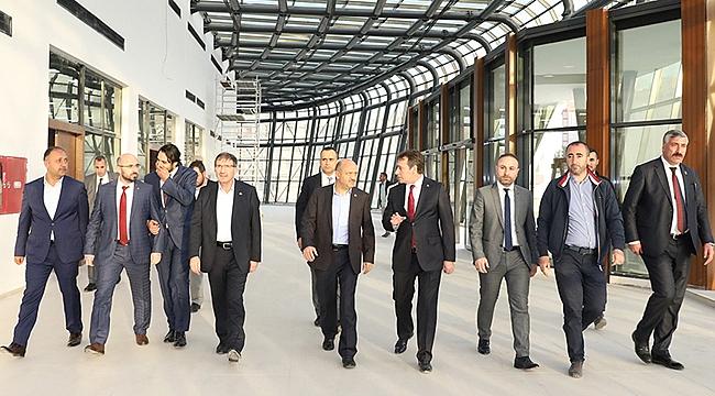 Başbakan Yardımcısı Fikri Işık, projeleri inceledi