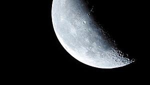 Çin Ay'a uydu gönderdi