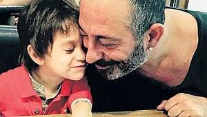 Cem Yılmaz Defne Samyeli'yi oğluyla tanıştırdı