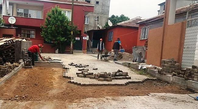 Dilovası'nda kilitli parke tamiratları devam ediyor