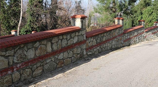 Mezarlıklara 10 bin metre taş duvar
