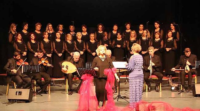 Kadınlar Korosu, İstanbul için söyledi
