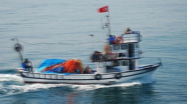 Sinop'ta balıkçı teknesi battı!