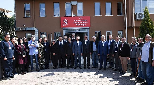 Hüseyin Aksoy'dan Gebze Huzurevi'ne ziyaret