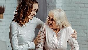 Yaşlılara gereğinden fazla yardım etmeyin