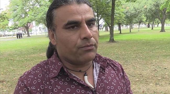 Yeni Zelanda'nın konuştuğu kahraman göçmen