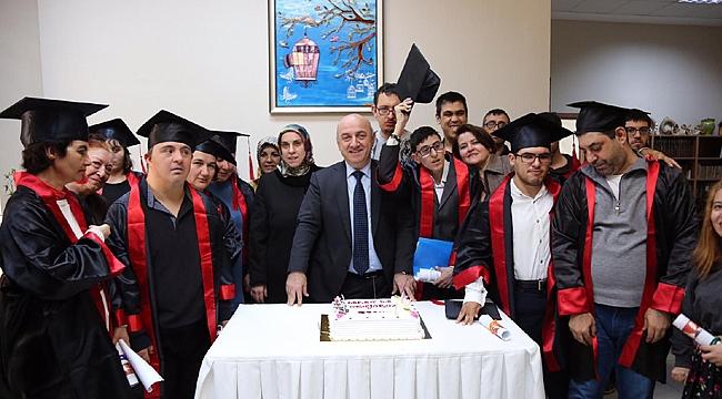 Darıca'da en özel diploma töreni