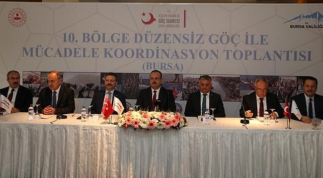 Vali Aksoy, düzensiz göç toplantısına katıldı