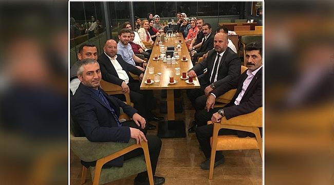 Çayırova'da iftar sonrası çay sohbeti