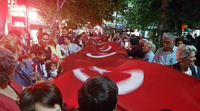 CHP Darıca'dan fener alayı yürüyüşü