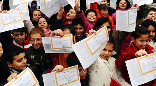 83 bin 400 öğrenci karnesine kavuşuyor