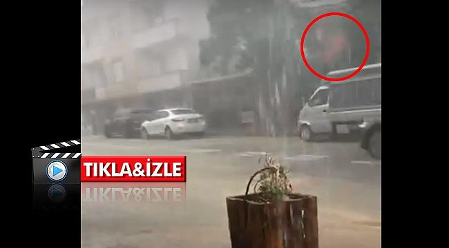 Darıca'da çatıdaki sac arabanın üstüne uçtu