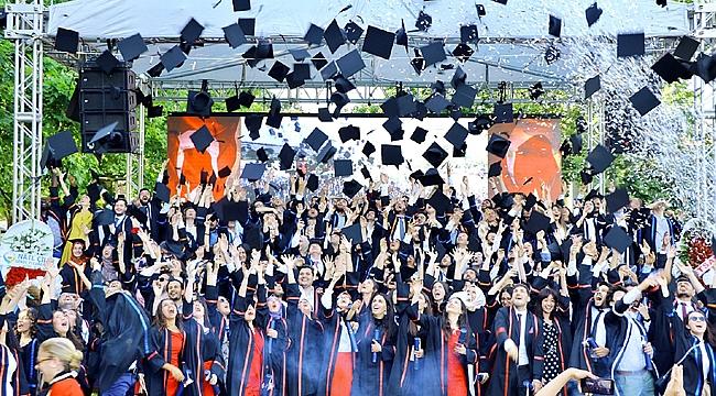GTÜ'lü öğrenciler kep attı