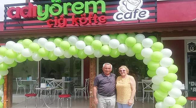 Kanber Hoca çiğ köfte dükkanı açtı!