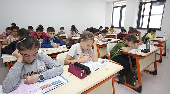 Çayırova'da 3 bin 500 öğrenci ter döktü
