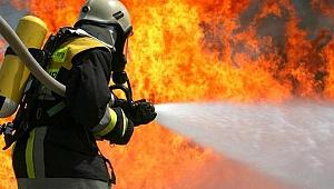 Dilovası'nda fabrika yangını; '2 yaralı'