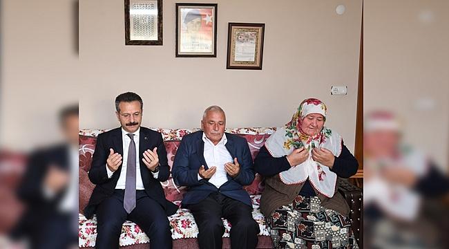 Vali Aksoy'dan şehit ailelerine ziyaret
