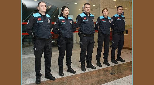 Pasaport Polislerinin üniformaları değişti