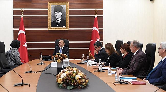 Vali Aksoy, 714 vatandaşla görüştü