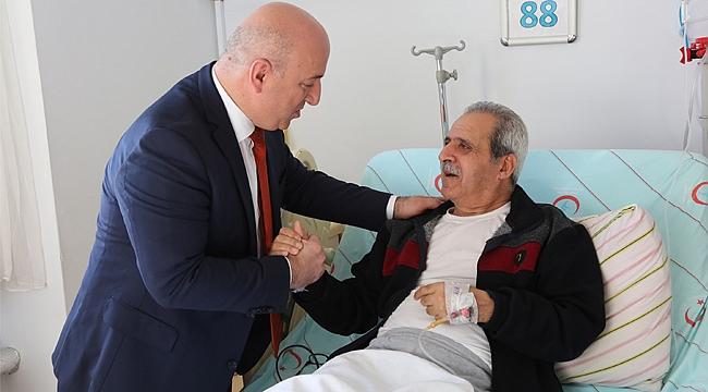Muzaffer Bıyık'tan hastalara moral