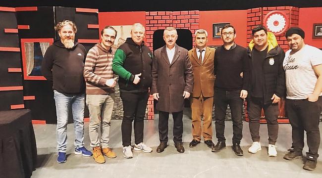 Büyükakın'ın Gebze'de tiyatro keyfi