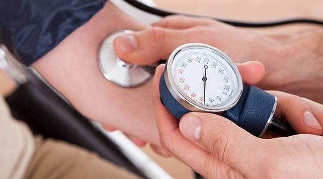 Hipertansiyon hastaları, karantina döneminde kilo almamalı