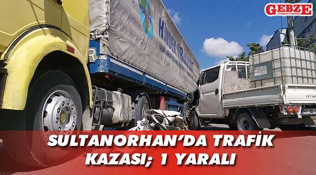 TIR'la kamyonet çarpıştı
