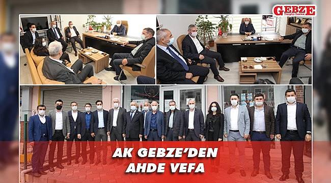 AK Parti tam kadro eski başkana gitti