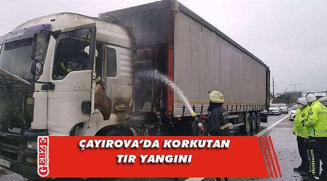 Anadolu Otoyolu'nda yanan tıra anında müdahale