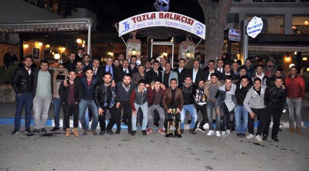 Dilovası şampiyonluğunu Balıkçı'da kutladı
