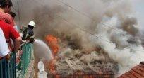 Eniştesine kızan baldız evi yaktı